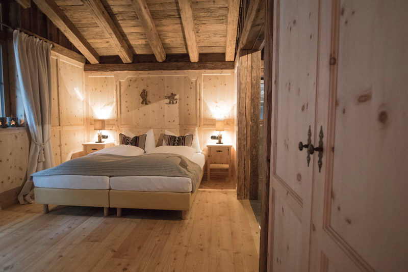 chalets hotels buildings cine tirol. Black Bedroom Furniture Sets. Home Design Ideas